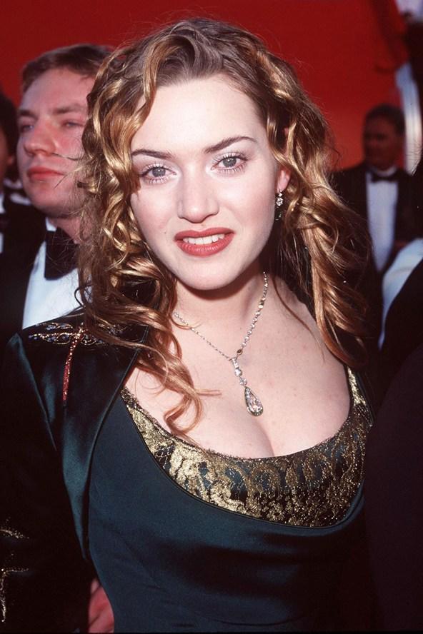 На какую из звезд Голливуда 90-х похожа ты?