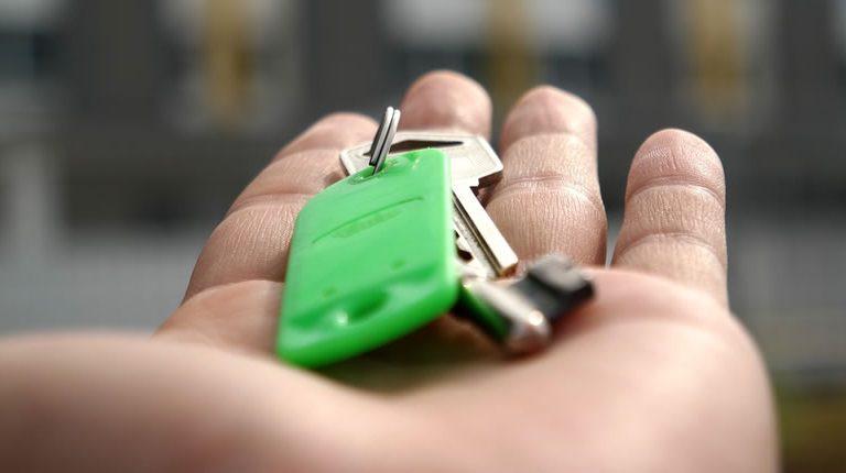 Стоит ли брать ипотеку перед декретным отпуском?